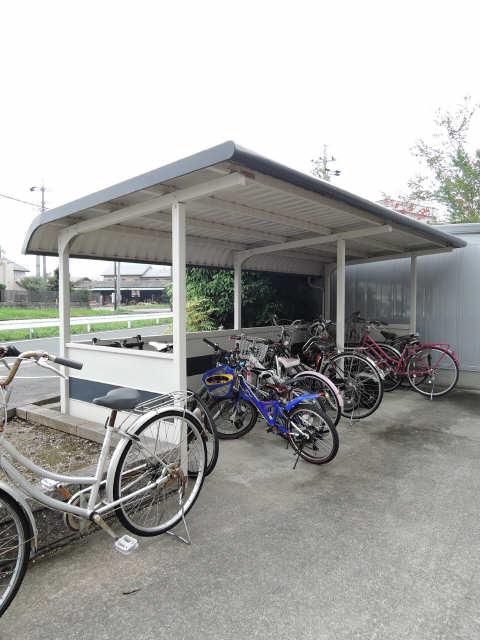 サンヴィレッジ西桜木A棟 駐輪場