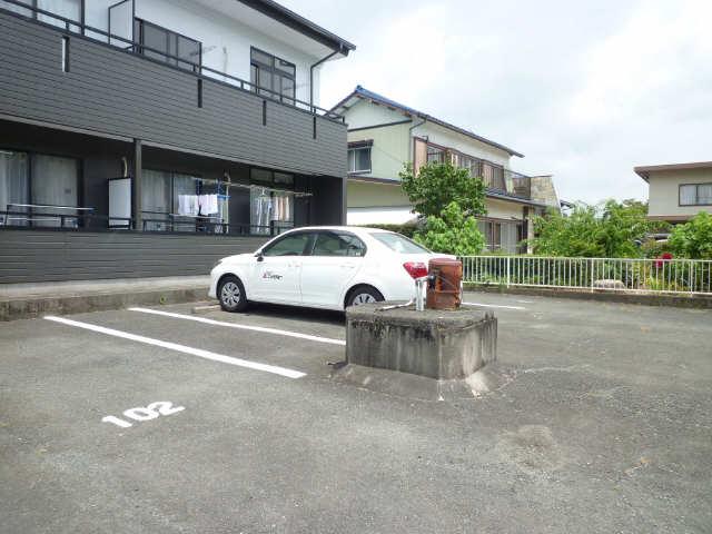 ノーブル竹下 駐車場