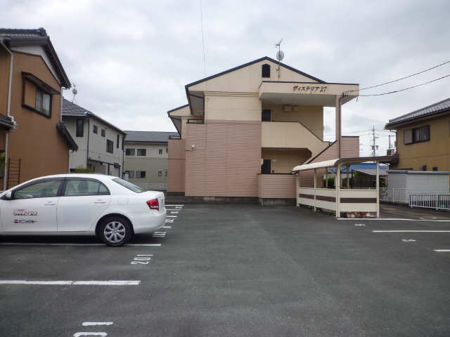 ヴィステリア 27 駐車場