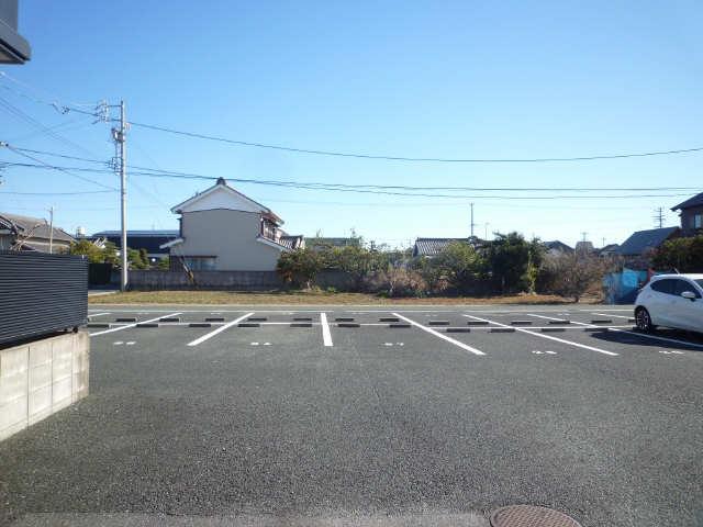 シャトレー南山C・D 駐車場