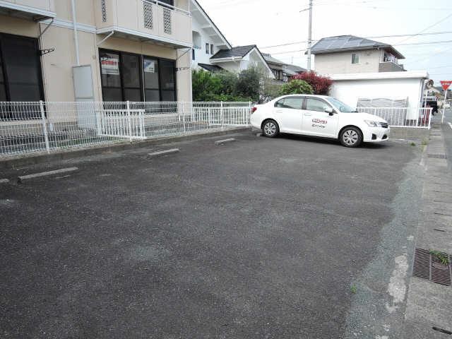 セジュールさくら 駐車場
