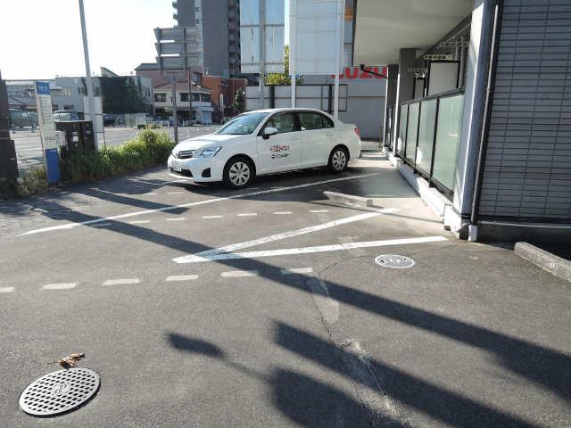ステアハイツ 駐車場
