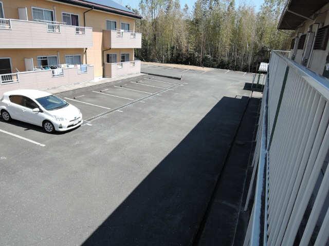 ハラマキハイツC棟 駐車場