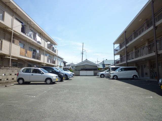 寿楽荘 第1荘 駐車場