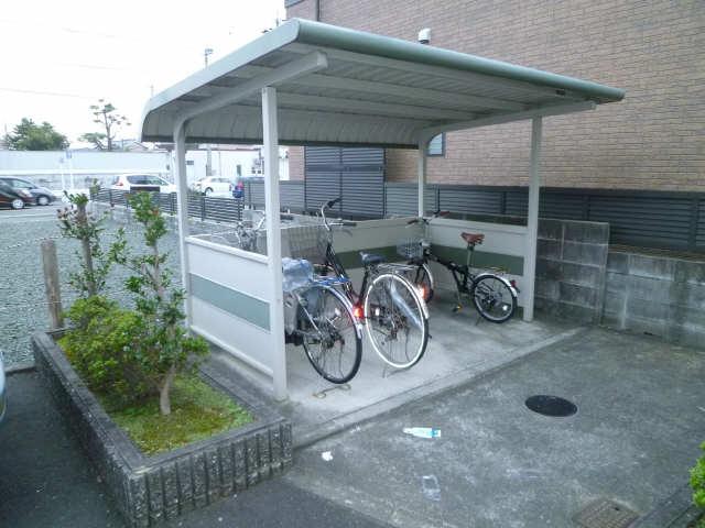 エルハイム西町 駐輪場