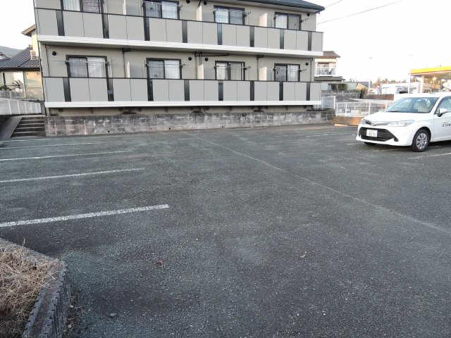 シャルムとみざわ 駐車場