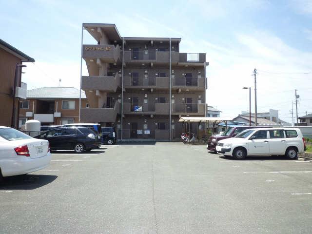 ロイヤルキャビン松久 3階 駐車場