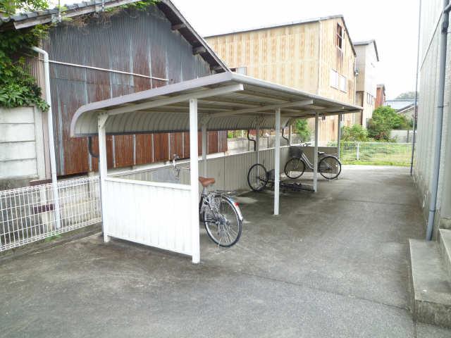 シャルム平井 駐輪場
