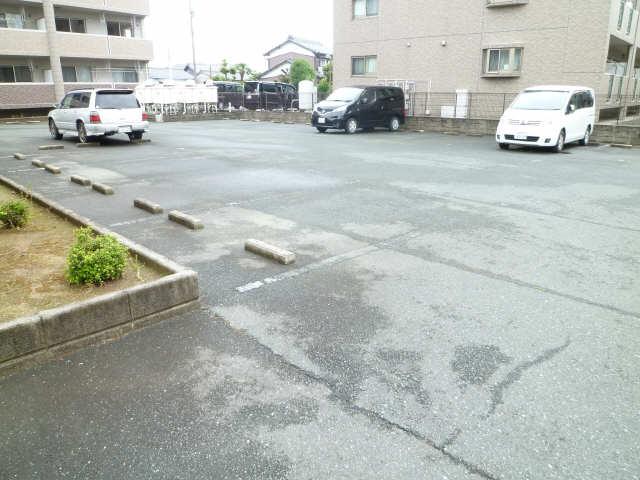 グランドゥール 駐車場