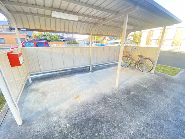シーサイドサルビアB 駐輪場