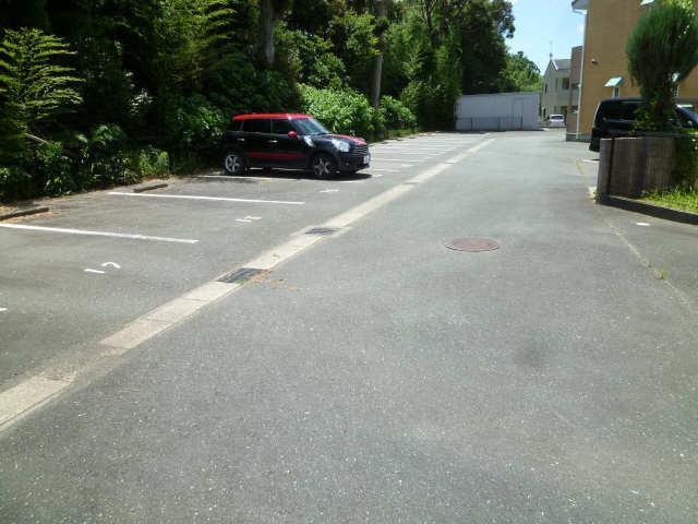 Stadt AnkumB棟 駐車場