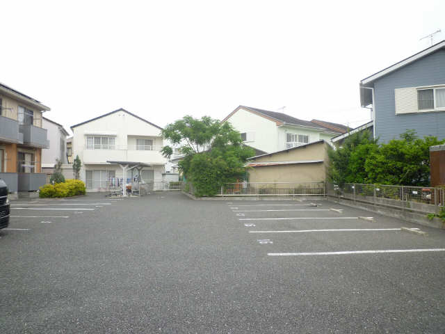 リバーフロント蔵子 駐車場