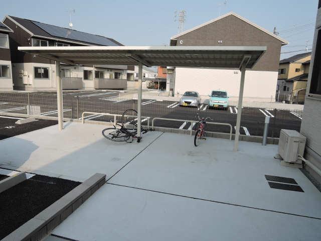 グランパルク東豊B 1階 駐輪場