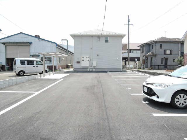 フォレストメゾン蔵子 駐車場