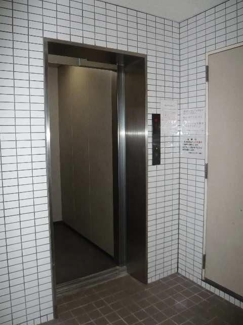 ドゥ・エトワール エレベーター