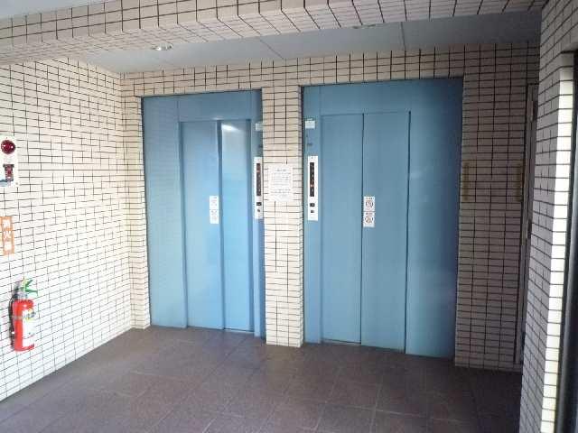 メゾンドマルキーズ 4階 エレベータホール