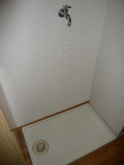 メゾンドマルキーズ 2階 室内洗濯機置場