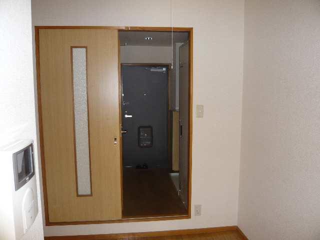 メゾンドマルキーズ 2階 室内