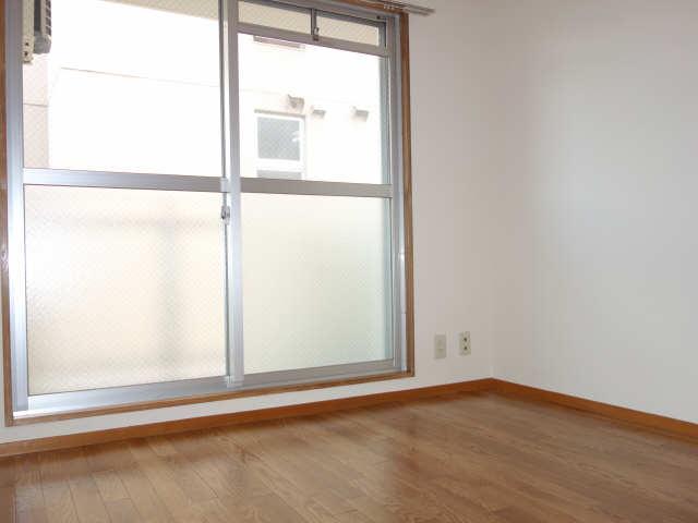 メゾンドマルキーズ 4階 室内