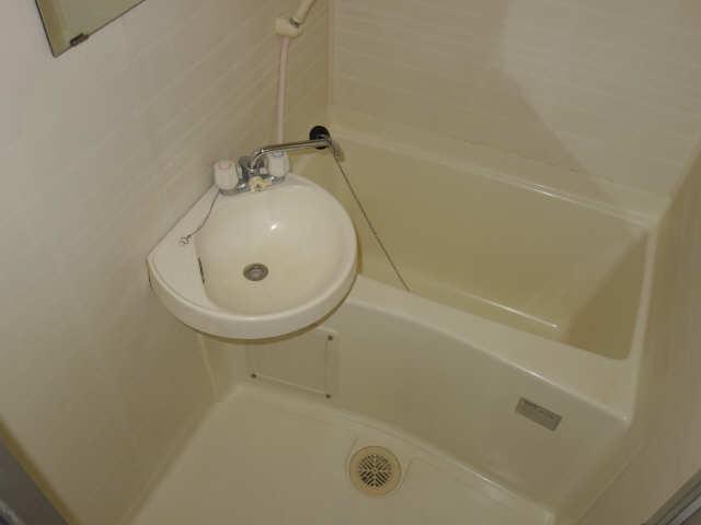 メゾンドマルキーズ 4階 浴室
