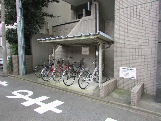 綾羽アネックス葵 駐輪場