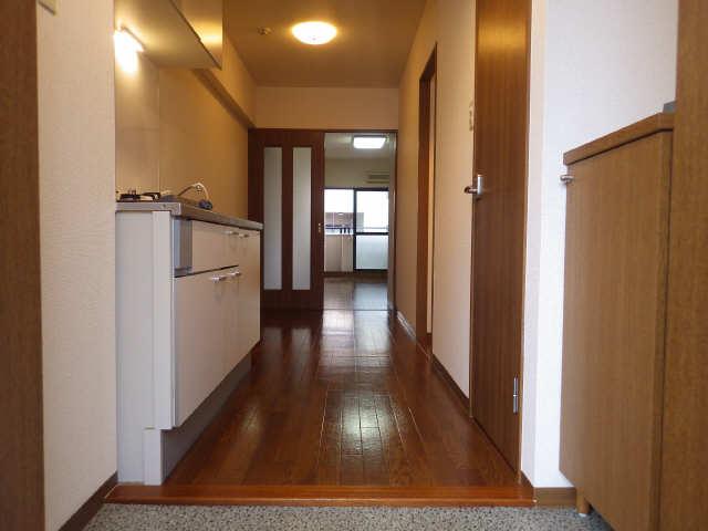 パレスサイド泉 6階 玄関