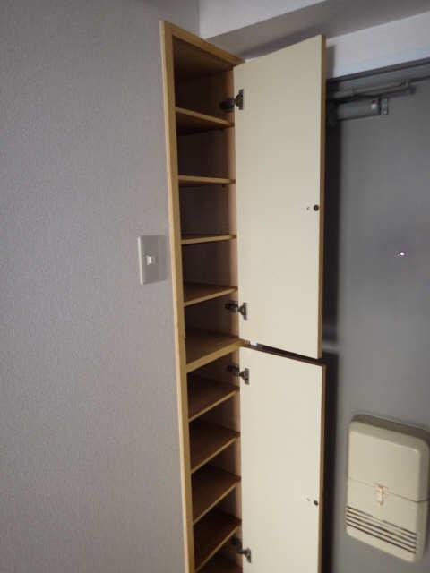 サンマンション大曽根 2階 シューズBOX