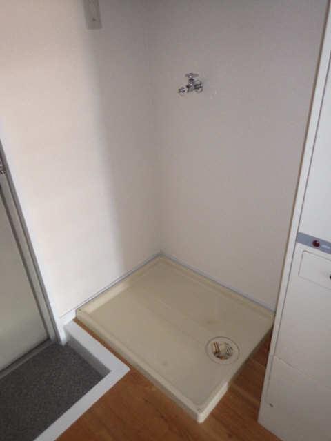 サンマンション大曽根 2階 洗濯機置場