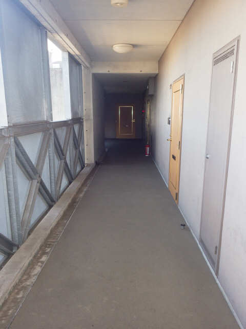 シャンクレール 8階 廊下