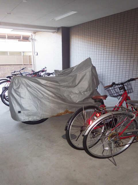 シャンクレール 8階 駐輪場