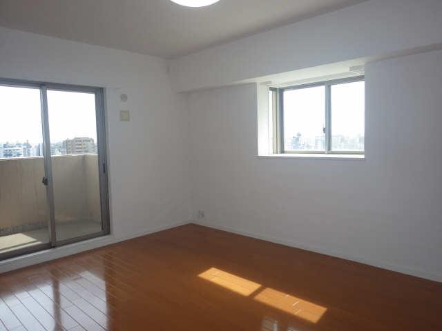 エスティメゾン東白壁 8階 室内