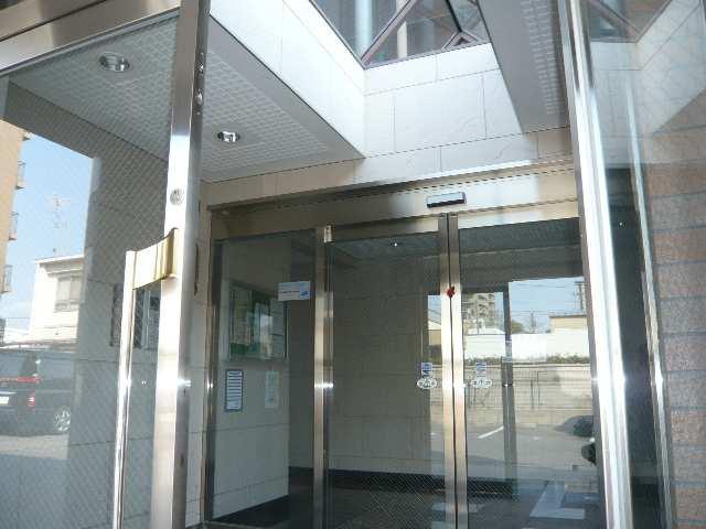 パラディーソ白壁 2階 オートロック付エントランス