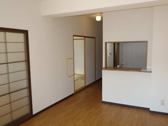 パラディーソ白壁 2階 リビング