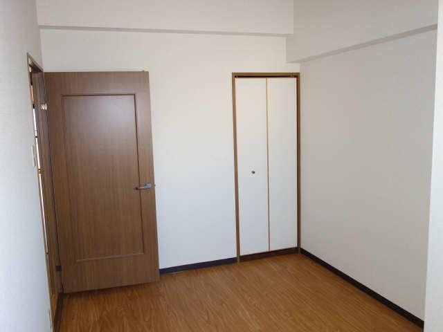 パラディーソ白壁 2階 室内