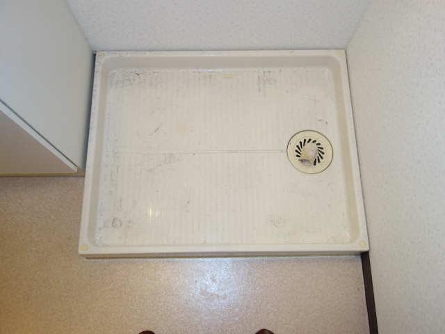 パラディーソ白壁 2階 洗濯機置場