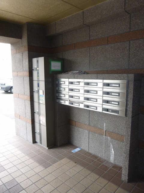 セントレイクセレブ徳川 2階 宅配BOX