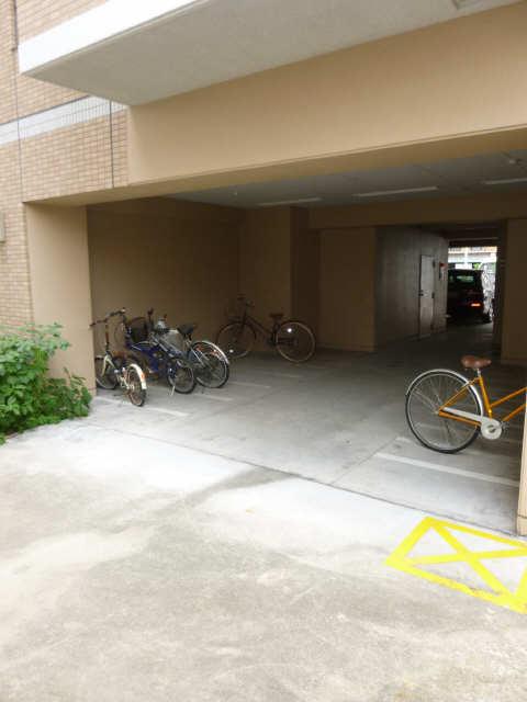 セントレイクセレブ徳川 2階 駐輪場
