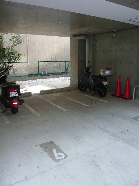 クレイタスパークⅣ バイク置場