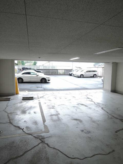 レジディア白壁 駐車場