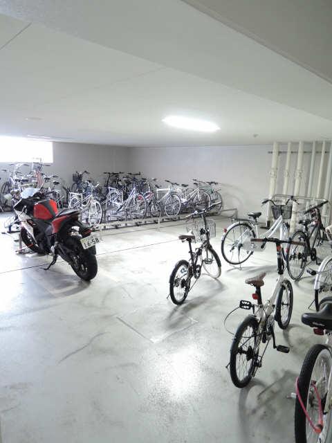 レジディア白壁 駐輪場