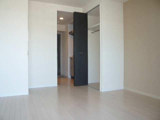 レジディア白壁 3F東1K室内