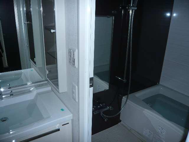 レジディア白壁 3Fニシ浴室・洗面