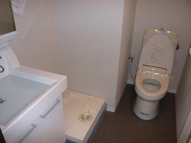 レジディア白壁 4F中1K洗面・WC