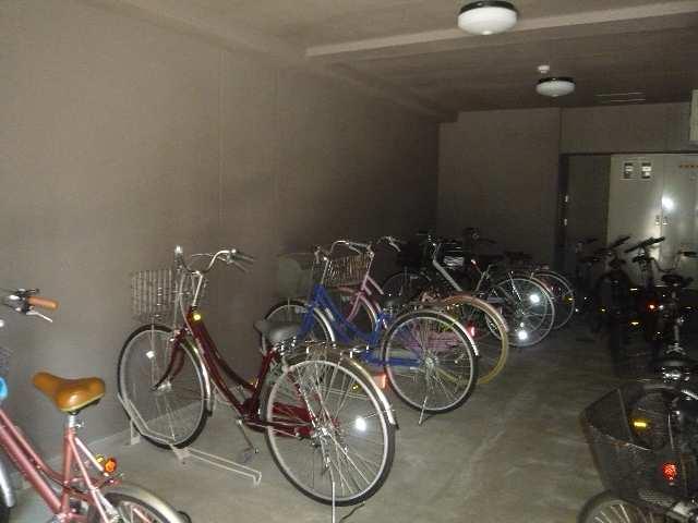 フィルストン白壁 自転車置場