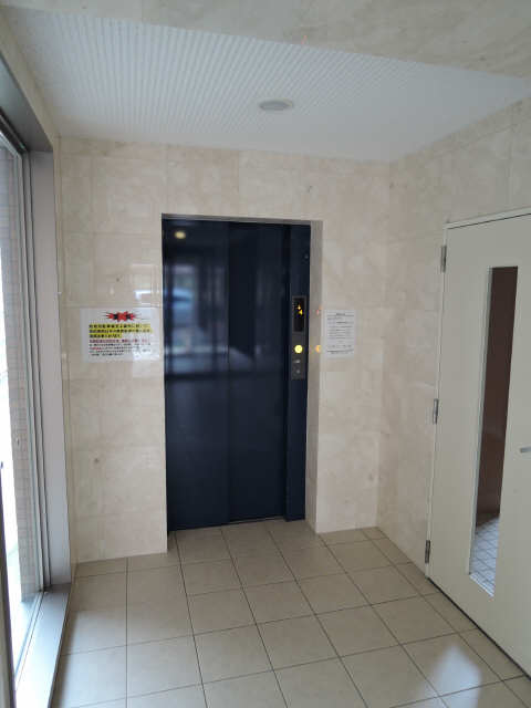 リヴェール白壁 エレベーター