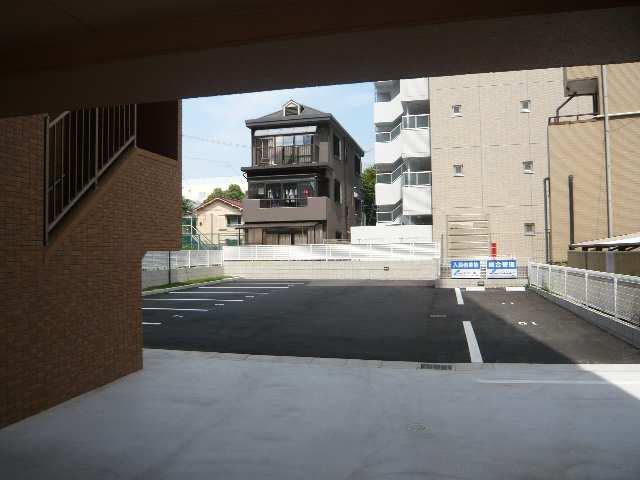 リヴェール白壁 駐車場