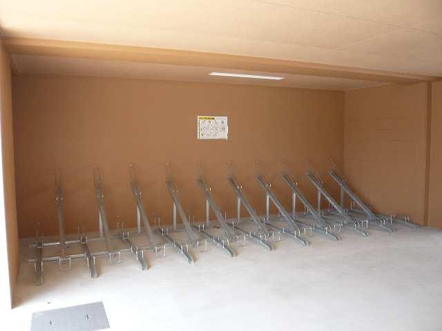 リヴェール白壁 駐輪場