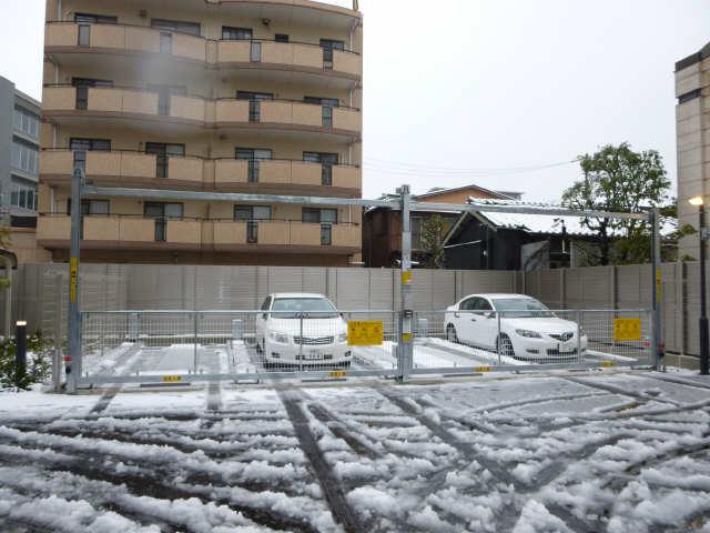 エスティメゾン白壁南 機械式駐車場