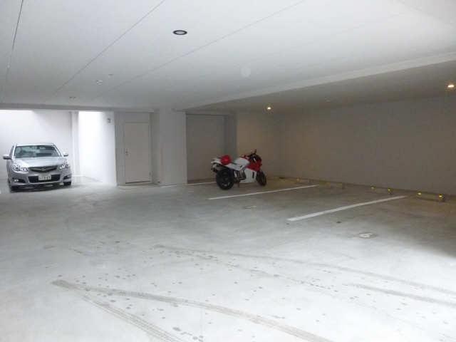 LAULEA HEIAN 駐車場