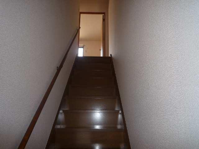 ファミール富士塚A 階段
